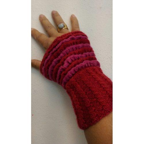 Tante lillas håndledsvarmere - færdigstrik